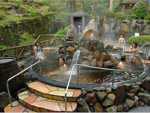 Baños Japoneses Onsen:El café en Yunessun es elaborado con agua de los manantiales termales