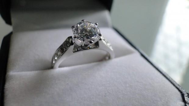 Historia del anillo de compromiso en mexico