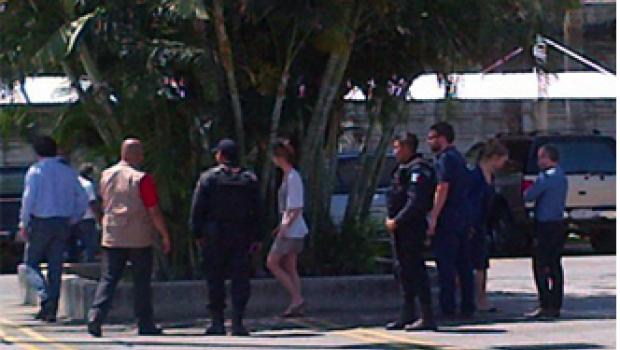 Familiares de belga recorren en Acapulco lugar donde fue asesinado