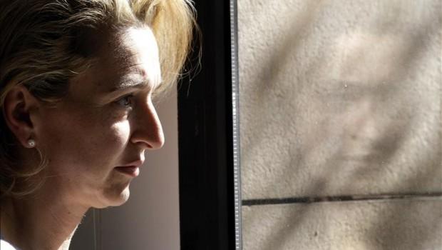 Obligan a española a enviar a sus hijos con su padre en México; teme por sus vidas