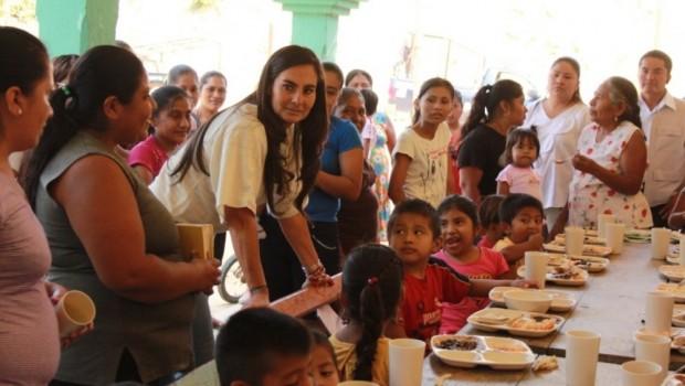 Cocinas Comunitarias en Oaxaca, garantía de alimentación a vulnerables: DIF