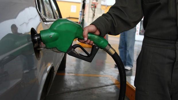 Cambian criterios para aplicar el gasolinazo, mañana nuevo aumento a combustibles