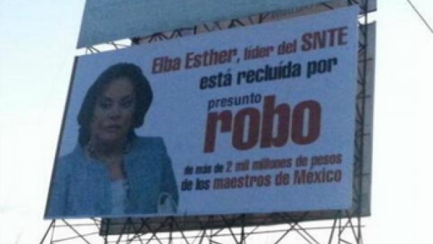 Colocan espectaculares contra Elba Esther y nuevo lider del SNTE en Tabasco