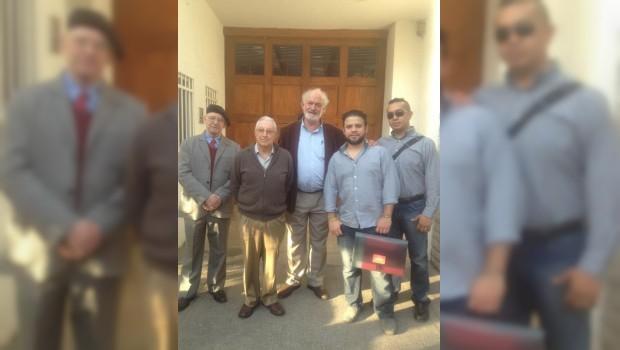 Entregan más de 17 mil firmas contra participación de Norberto Rivera en cónclave papal