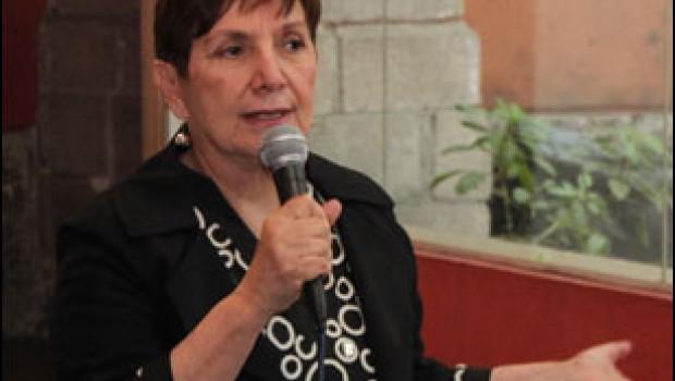 SEP confirma que Esther Orozco carece de título profesional