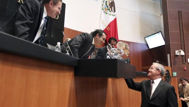 Ley de amparo es aprobada por unanimidad en el Senado