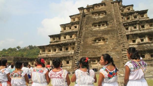Rituales y ceremonias en la Pirámide de los Nichos en Tajín