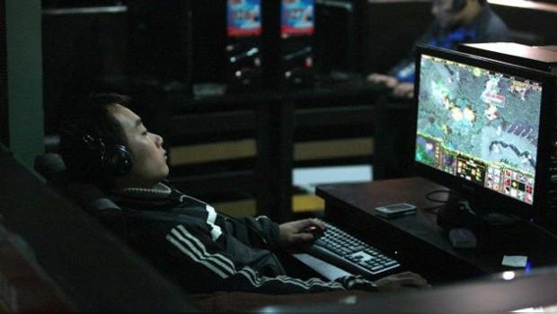 Adicto a los videojuegos vive 6 años dentro de café internet