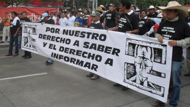 Marchan periodistas de Tlaxcala a favor de la libertad de expresión