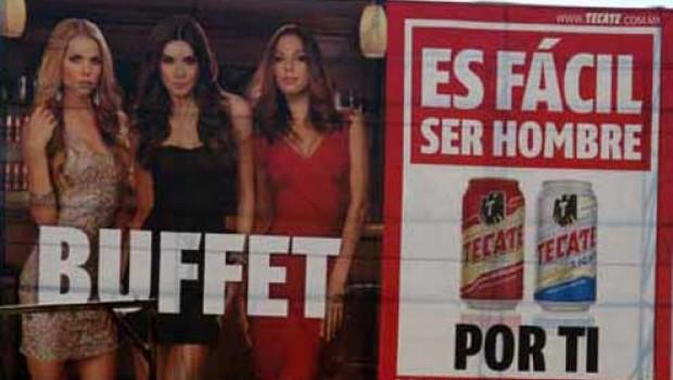 Retiran anuncios de Tecate por considerarlos sexistas