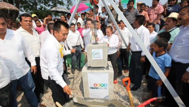 Garantiza Velasco el flujo de agua potable en Frontera Comalapa
