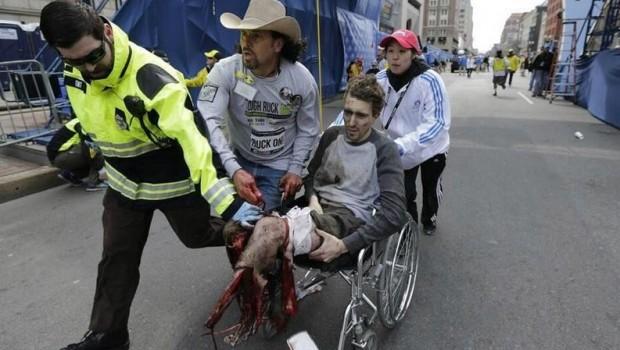 FOTOS: Circulan dramáticas imágenes de heridos en explosiones de Boston