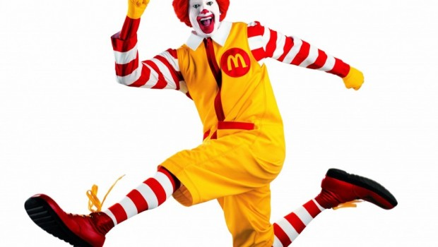 Defiende McDonald's derechos de transexuales en sus baños