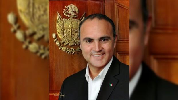 Millonario gasto por foto oficial del gobernador de Querétaro