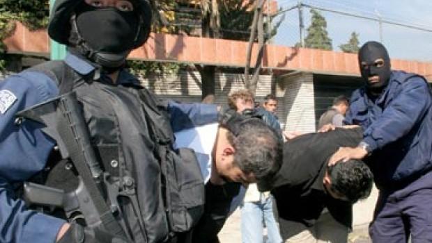 Rescatan a cuatro personas y detienen a dos presuntos secuestradores en Morelos