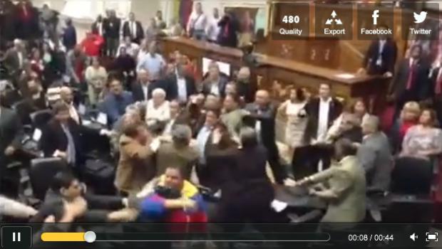 Video: Batalla campal en Asamblea Nacional de Venezuela