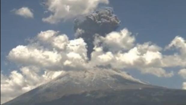 Alertan por posible caída de ceniza del Popocatépetl en DF y Edomex