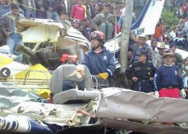 Mueren seis personas, al parecer mexicanos, en un accidente aéreo en ...