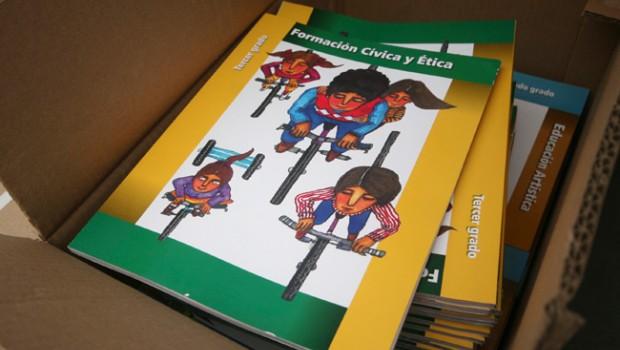 Libros de texto de primaria del ciclo escolar 2013-2014 tienen 117 errores ortográficos: SEP