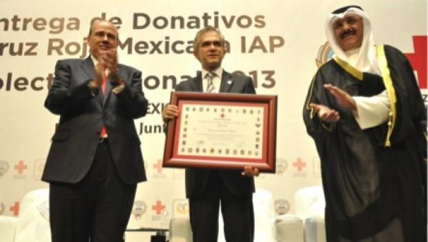 GDF hace donativo a la Cruz Roja