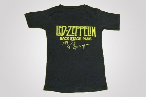 Subastan en eBay la playera más rara del grupo Led Zeppelin en 10 mil  dólares 23fd29da23d24
