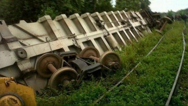 Se descarrila tren en Huimanguillo, Tabasco; hay cinco muertos