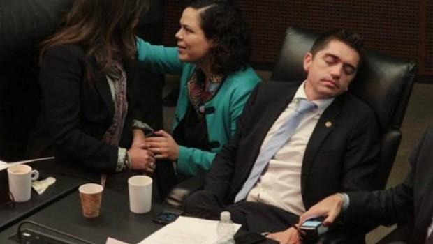 Senadores se autorizan megapuente por fiestas patrias