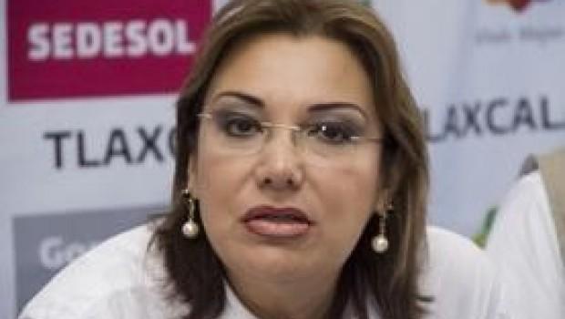 Vota a favor de Reforma Educativa y hereda plaza a su hija
