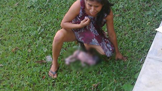 CNDH inicia queja por mujer que tuvo a bebé en patio de clínica que le negó atención