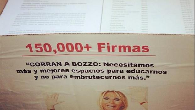 ¡Gracias por firmar! Entregan 150 mil firmas a Televisa para que corran a Laura Bozzo