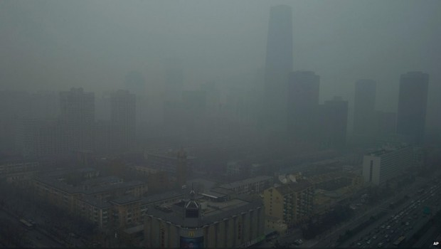 Niña china de 8 años tiene cáncer de pulmón por smog