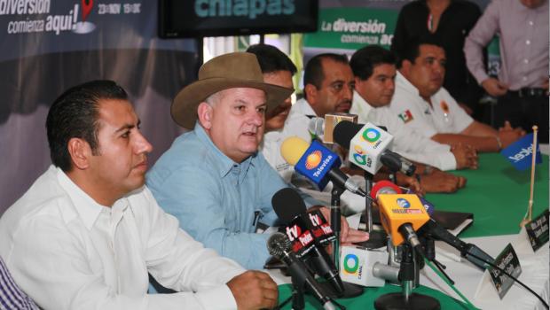 Presentan cartelera oficial de la Feria Chiapas 2013
