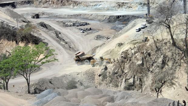Crimen organizado le entra al negocio de la minería