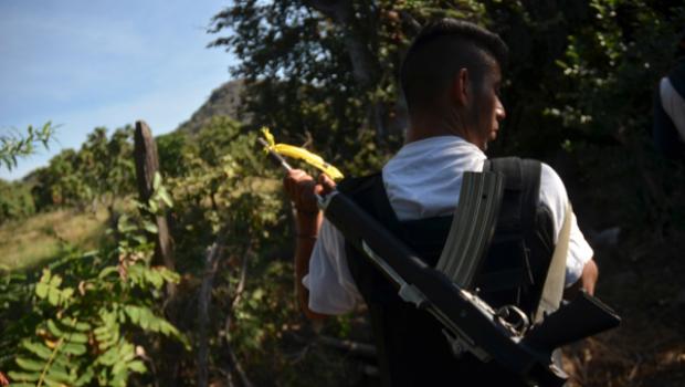 Autodefensas siguen creciendo en Michoacán, toman poblado de Coahuayana