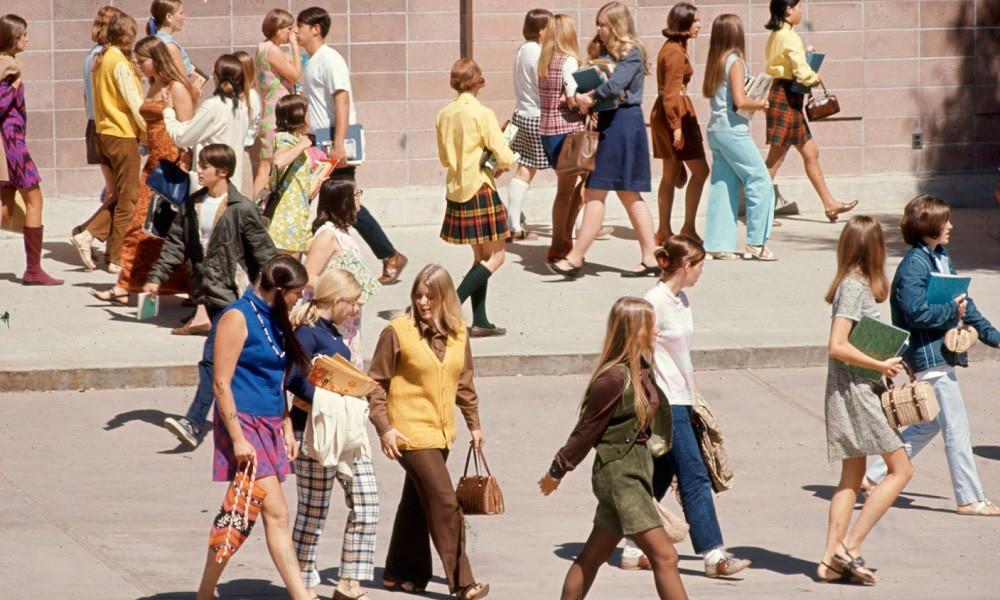 04354a45089c Cómo era la moda en los 60? | SDP Noticias