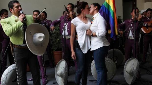Parejas gays se casarán en boda colectiva de Colima el