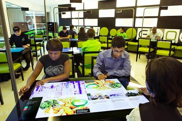 Inauguran un comedor interactivo en un restaurante de Dubai   SDP ...