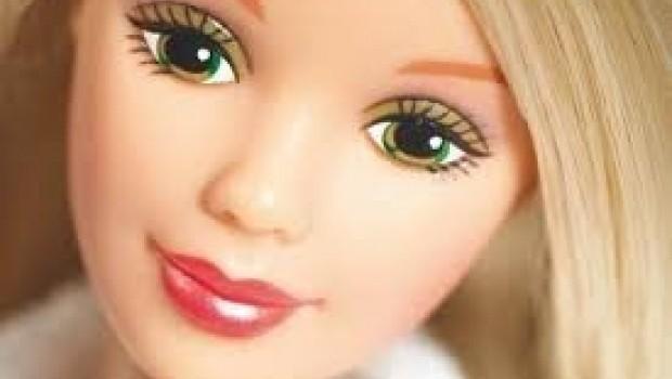 Barbie abusa sexualmente de una mujer