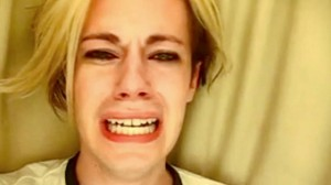 Chris Crocker rogando que