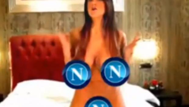 VIDEO: La atractiva Marika Fruscio celebró la victoria del Napoli desnudándose