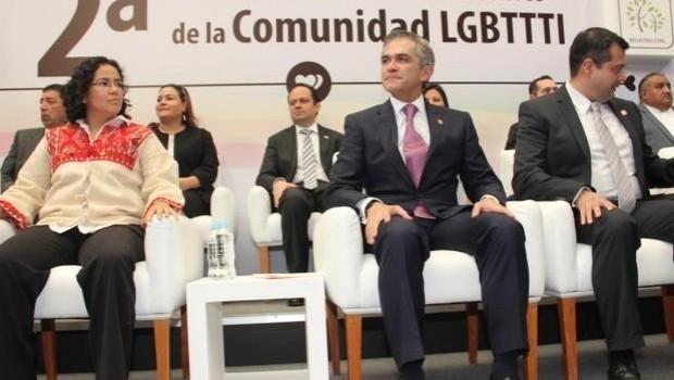 Con boda colectiva, la Ciudad de México celebra 4 años de matrimonio gay