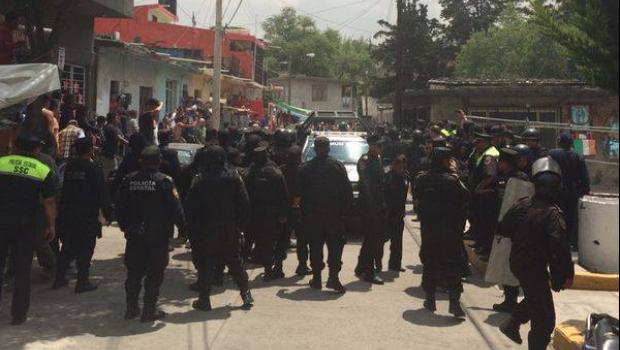Policías rescatan a dos asaltantes que iban a ser linchados en Nicolás Romero