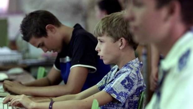 Familia adopta a gay adolescente rechazado por sus padres biológicos