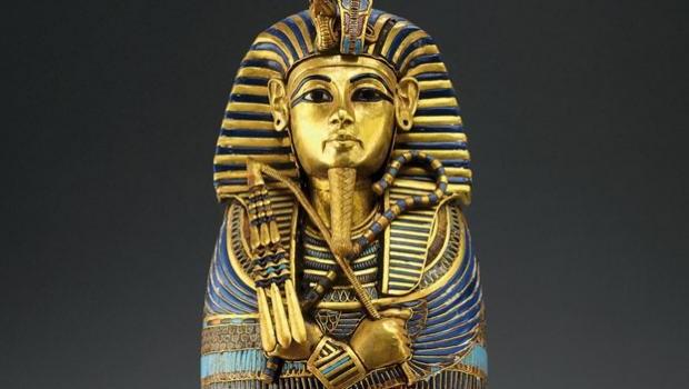 Consejo de faraón egipcio: buenos sueldos a funcionarios públicos