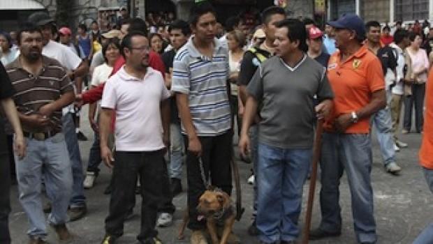 Vecinos de Ameyalco desconocen a Leonel Luna y amagan con boicotear elecciones de 2015