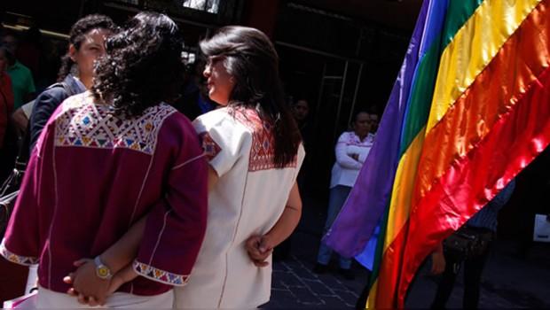 Otro amparo abre la posibilidad de casarse a pareja gay, esta vez en Sonora