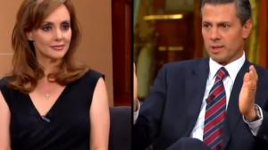La periodista de TV Azteca negó rotundamente que su posición frente al mandatario haya sido seductora. Foto/Especial