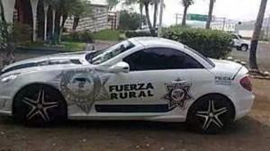 Uno de los autos tiene reporte de robo. Foto/Especial