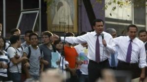(Rodolfo Angulo/Cuartoscuro) Osorio Chong recibe pliego petitorio de estudiantes del IPN