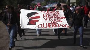 En Guerrero se han realizado marchas para exigir la aparición con vida de los 43 normalistas desaparecidos. Foto/Cuartoscuro
